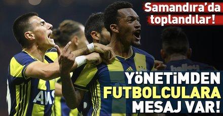 Fenerbahçe yönetimi ve Koeman Anderlecht maçı öncesi takımı motive etti