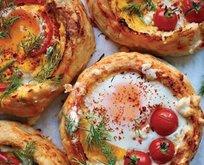 Yumurta ve peynir dolgulu mini bazlamalar