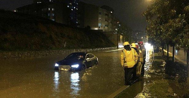 İstanbul'da yollar göle döndü!