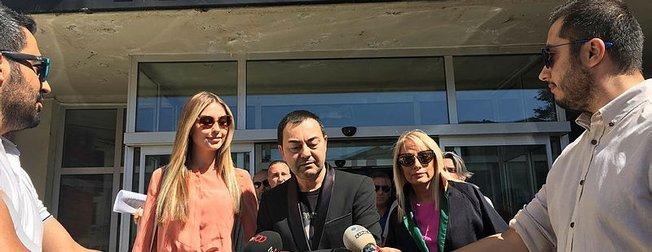 Serdar Ortaç boşandığı eski eşi Chloe Loughnan'ı yolcu etmedi ''Şoförüm sizinle ilgilenecek''