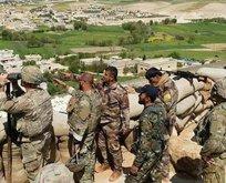 ABD askerleri teröristlerle omuz omuza...