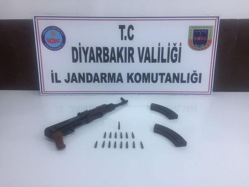 Diyarbakır'da operasyon! 3 katlı sığınak bulundu