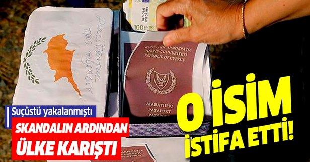 Pasaport skandalının ortaya çıkmasının ardından istifa geldi!