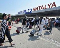 4 günde geçen yılı solladı! Antalya'ya Rus turist akını