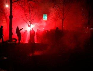 Fransa'da 'Kara Perşembe!' Paris alev alev yanıyor