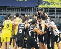 Beşiktaş derbide Fener'i yıktı