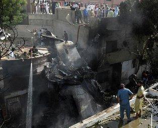 Pakistan'da 97 kişinin hayatını kaybettiği uçak kazasına ilişkin çarpıcı detay ortaya çıktı!