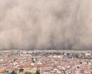 Ankara'da kum fırtınası: 6 vatandaş hafif şekilde yaralandı