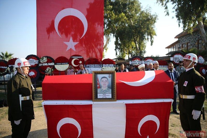 Şehit Bekir Can Hereklioğlu'nun cenazesinde yürek yakan an! Gözyaşlarını böyle sildi