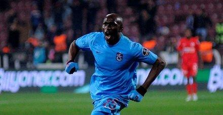 Trabzonspor'da İstikamet Mbia