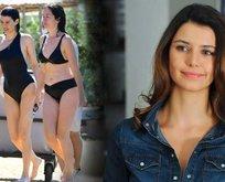 Beren Saat mor bikinisiyle paylaştı başlığı da verdi 'lila bikinimle barda...'