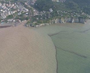 Düzce'de yaşanan sel sonrası deniz iki renk oldu