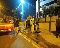 Korkutan kaza! Polis aracı yan yattı