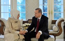 Emine Erdoğan'dan Başkan Erdoğan'a mesaj
