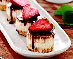 Çilekli Mini Pastalar Tarifi