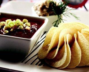 Domates ve Patlıcan Soslu Cipsler Tarifi