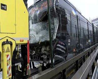 Metrobüs kaza yaptı! Yaralılar var