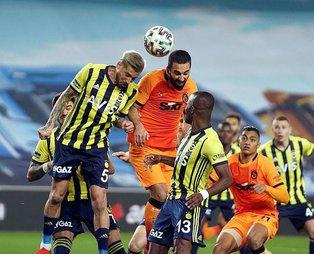 Fenerbahçe-Galatasaray derbisinde tartışmalı an! Galatasaray bu pozisyonda penaltı bekledi