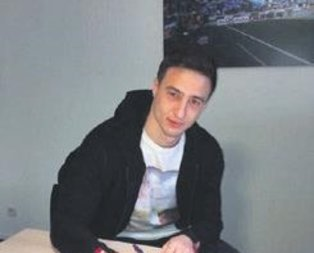 Mitrovic imzayı attı
