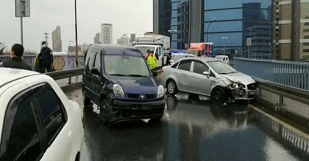 İstanbul'da boş yolda zincirleme kaza