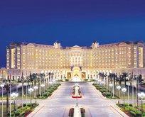 İki yüzlü otel!