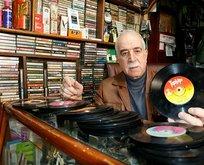45 yılda 13 bin plak ve kaset biriktirdi