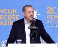 Erdoğanın okuduğu şiir gençleri coşturdu