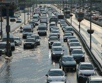 E-5'i su bastı, trafik durdu