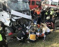 TEM'de hafriyat kamyonu dehşeti! Polis aracına çarptı