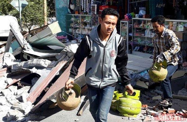 Endonezyada 7 büyüklüğünde deprem! Ölü sayısı her geçen an artıyor