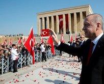 Başkan Erdoğan'a Anıtkabir'de sevgi gösterisi