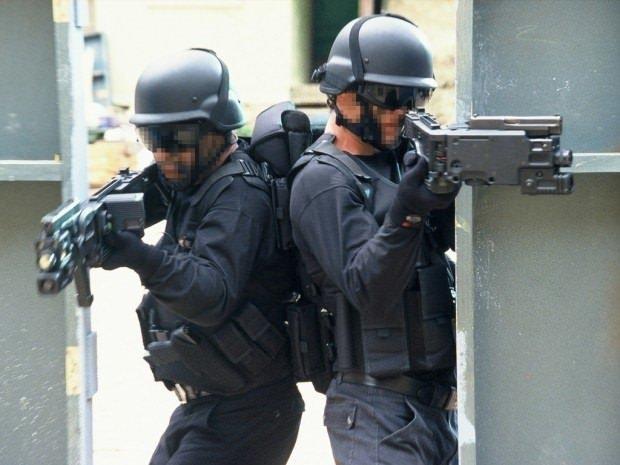 Askere modern savaş silahı