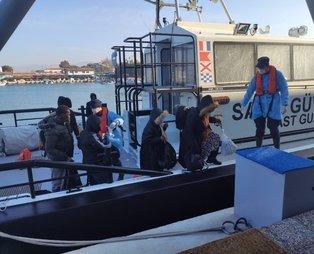 İzmir açıklarında Türk kara sularına geri itilen 33 düzensiz göçmen kurtarıldı