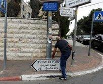 Kudüste ABD büyükelçiliği tabelaları asılıyor!