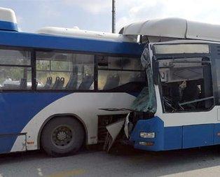 Feci kaza! Belediye otobüsleri kafa kafaya çarpıştı