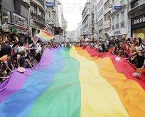 Aile için tehlike çanları çalıyor! Dizilerde eşcinsellik...