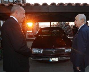 Bahçeli'den Erdoğan'a klasik otomobil sürprizi