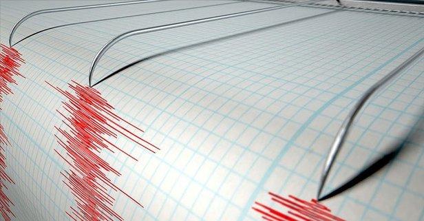 Manisa'da korkutan deprem! İzmir'den de hissedildi!