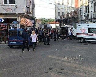 Son dakika: Edirne'de düzensiz göçmenleri taşıyan araç kaza yaptı! Ölü ve yaralılar var