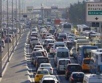 İstanbul'dan kaçış başladı! Trafik durma noktasında