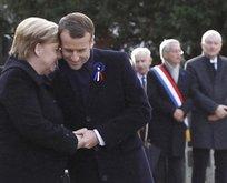 Merkel ve Macronu utandıran anlar