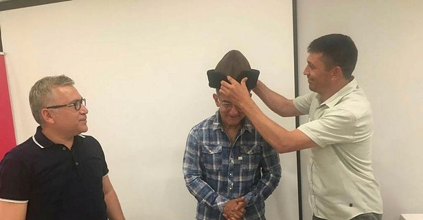 Halisdemir'den Aamir Khan'a Diriliş şapkası
