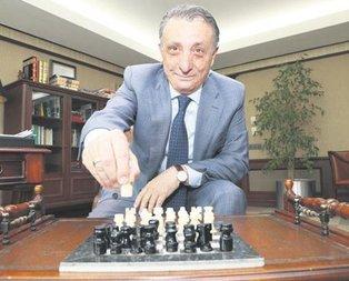 Ahmet Nur Çebi'ye baskı artıyor