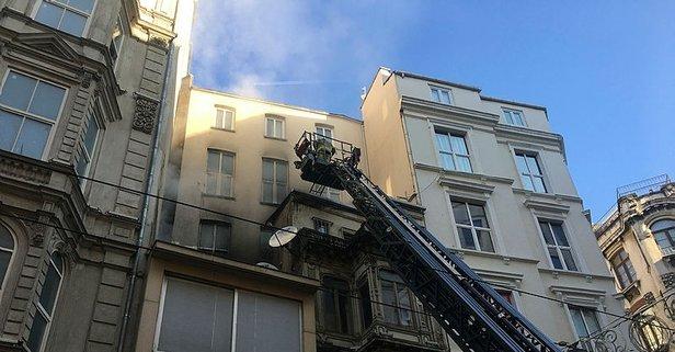 İstiklal Caddesi'nde korkutan yangın!