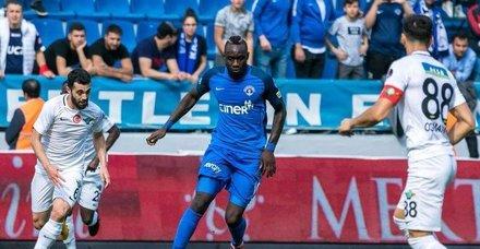 Kasımpaşada Mbaye Diagne gollerine kaldığı yerden devam ediyor!