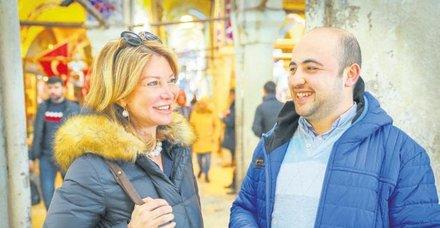 Suriye'de savaştan kaçan iki esnaf yıllar sonra Kapalı Çarşı'da karşılaştı!