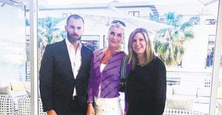 Louis Vuitton'un 250 VIP müşterisi arasındaki tek Türk olan Begüm Şen ABD'deki mağazada kraliçe gibi karşılandı