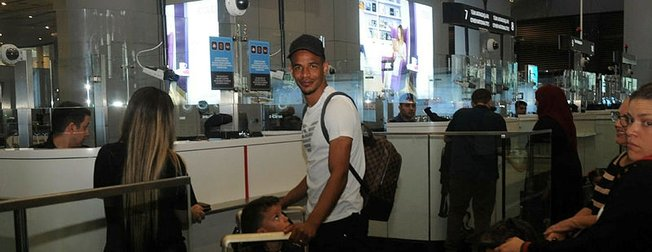 Son dakika: Galatasaraylı Fernando ailesiyle birlikte Türkiye'den ayrıldı