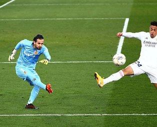 Real Madrid, Valencia'yı rahat geçti