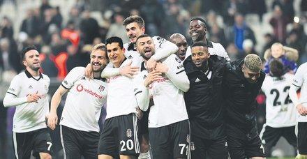 Kral'ın dönüşü! Burak Yılmaz, Beşiktaş formasıyla 4130 gün sonra gol attı